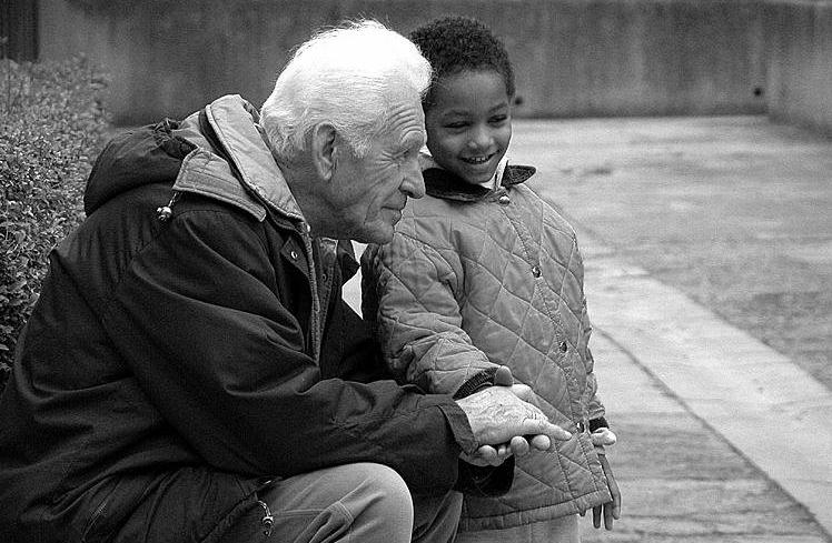Nonno, nonna: adottiamoci!